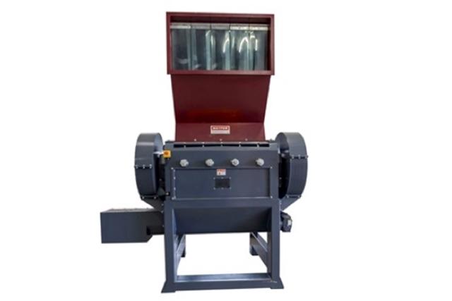 Molino triturador convencional de alta velocidad construído con una rígida estructura de acero.